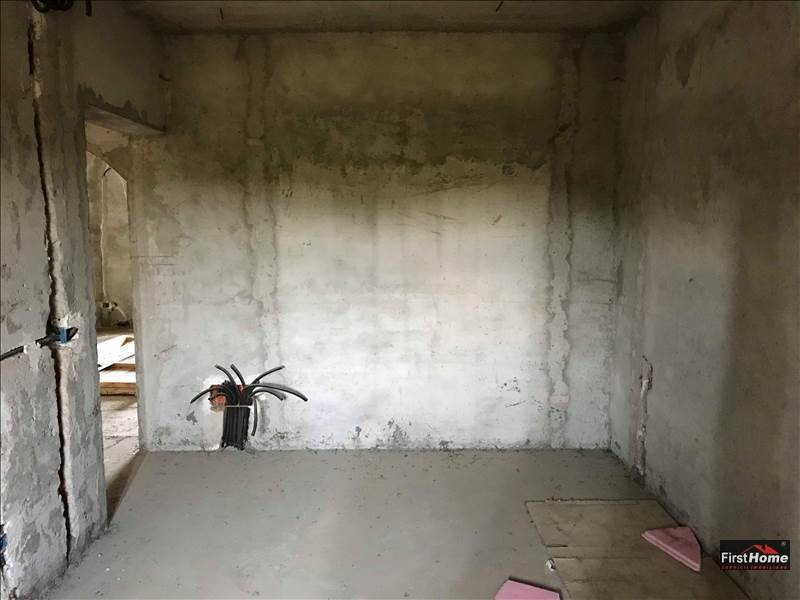 Duplex la rosu de vanzare in Campineanca zona Coreea !