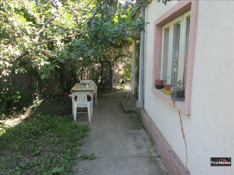 Casa veche an 1977, zona Tabacari