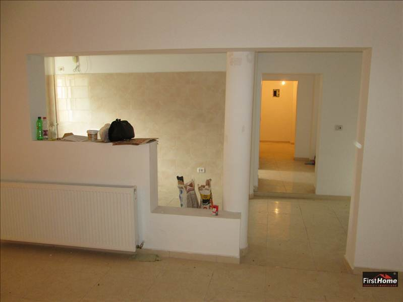 Apartament 3 camere zona LIDL,Scoala nr 10, Comisariat