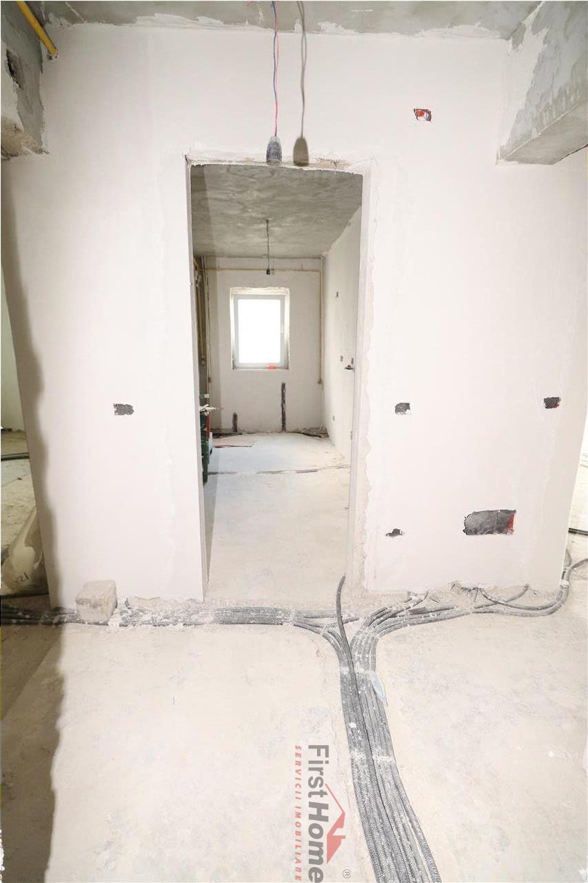 Apartament 2 camere, central , etaj 7/8 , necesita renovare