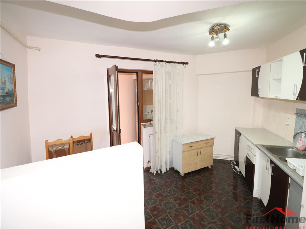 Apartament 2 camere, etaj 2, Zona Teatru,de inchiriat