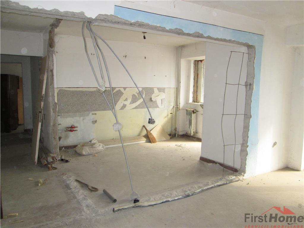 Apartament 3 camere,etaj 2/4, Brailei  2 Stejari