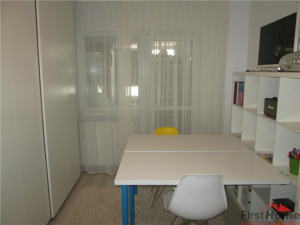Apartament 2 camere zona Comisia Centrala etaj 3