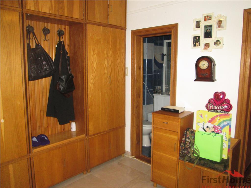 Apartament 4 camere, parter, stradal , LIDL