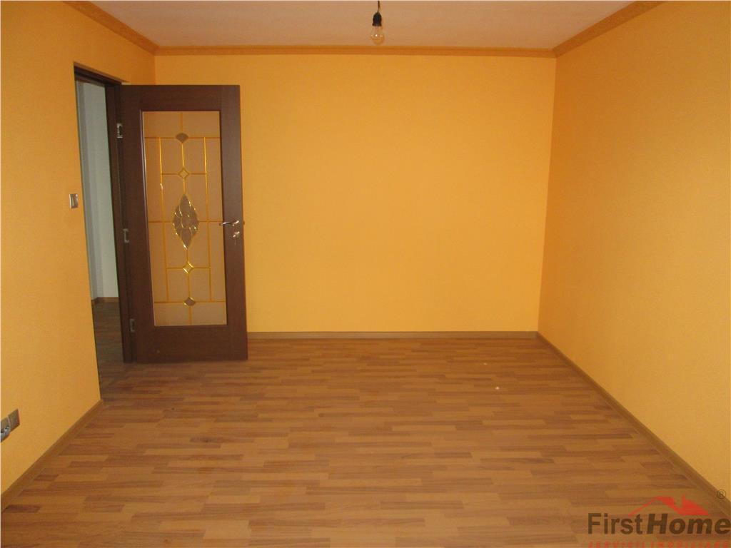 Apartament 2 camere, etaj 2,nemobilat, renovat, Scoala 2