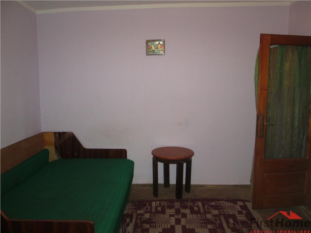 Apartament 2 camere, etaj 1, ultacentral, liber !