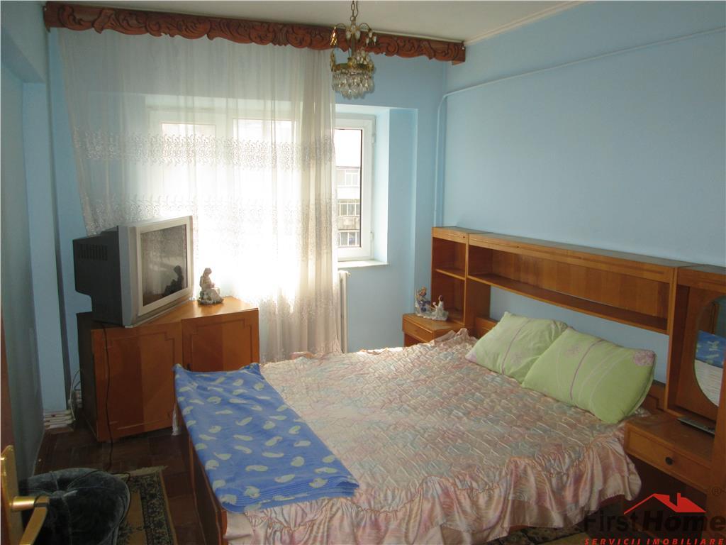 Apartament 3 camere, Bdul Brailei , etaj 4 (acoperis)