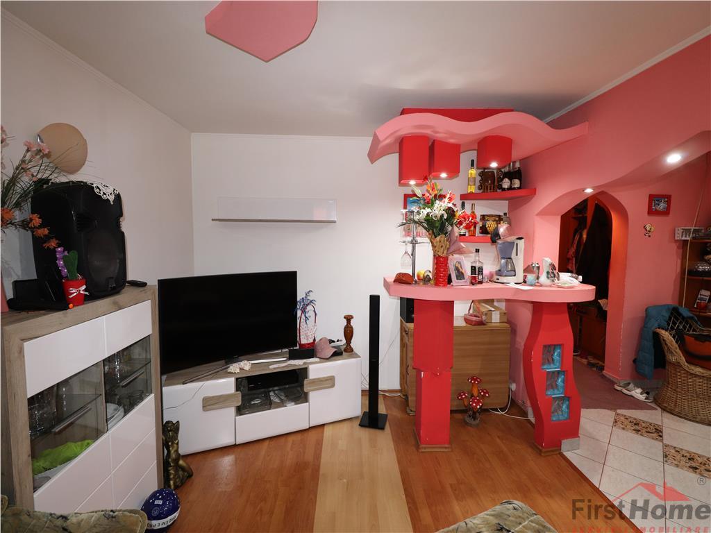 Apartament 3 camere, zona Politie, parter