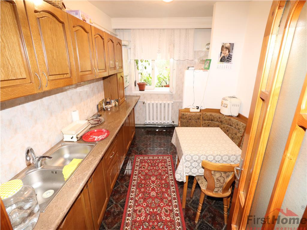 Apartament 3 camere, zona linistita (Petre Liciu), etaj 1