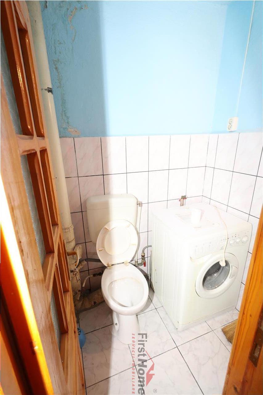Apartament 3 camere, Spitalul Judetean, etaj 3/3 , CT, necesita renovare