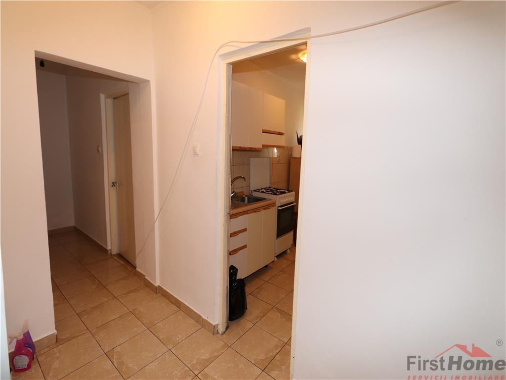 Apartament 2 camere, etaj 3/10, central