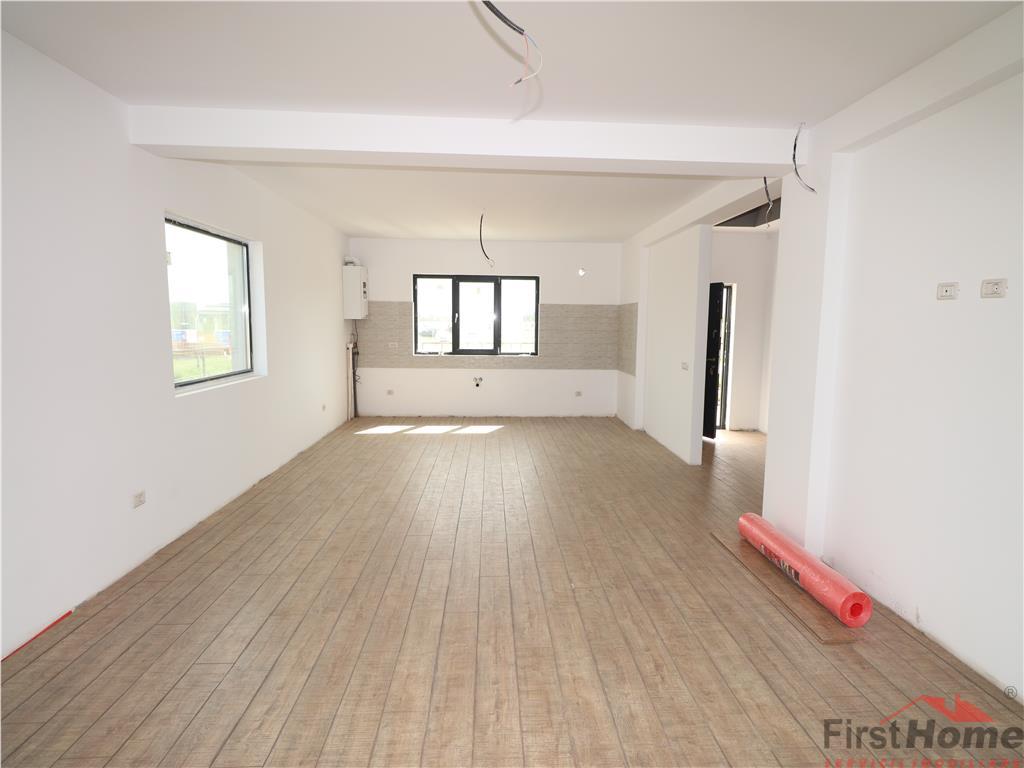 Parter , living + bucatarie, 2 dormitoare, baie, terasa 85.000 Euro