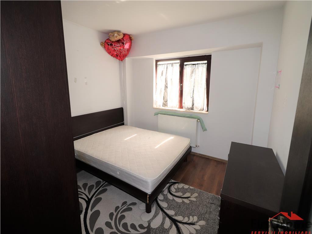 Apartament 2 camere, zona Piata Moldovei, etaj 5