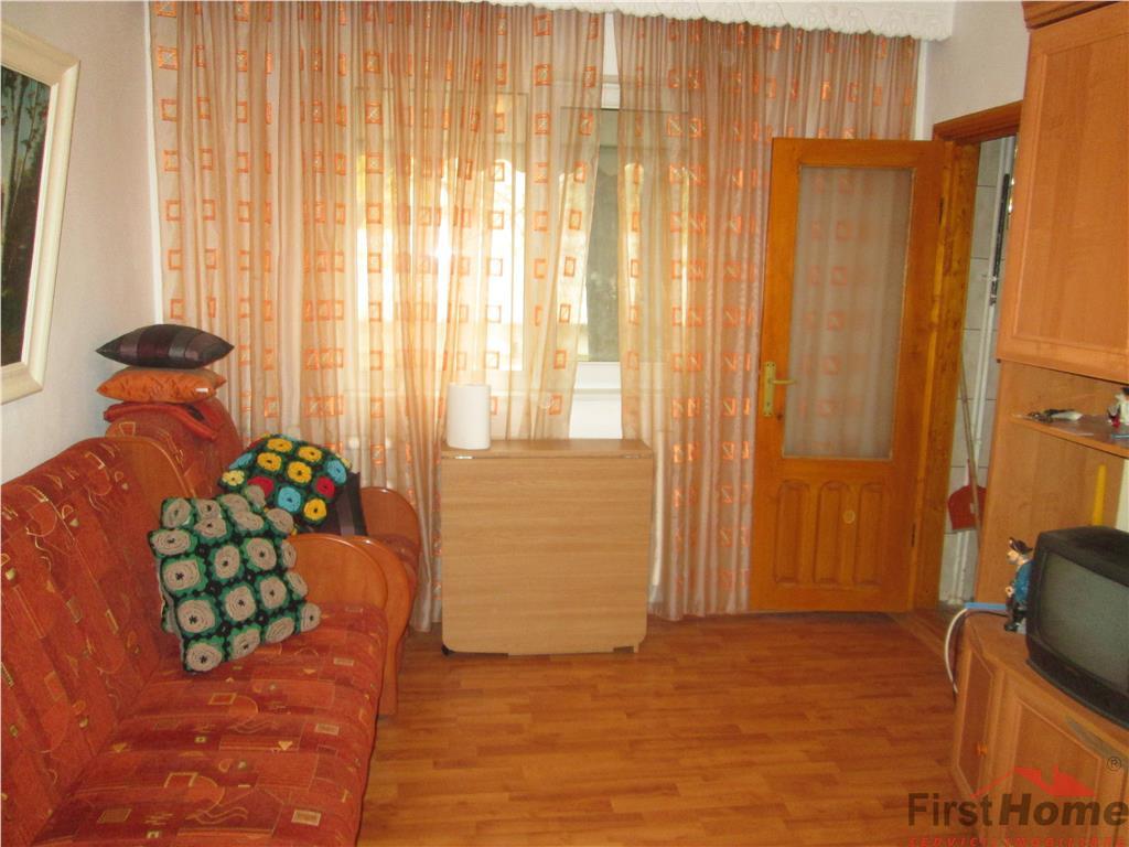 Apartament 3 camere, etaj 2 , zona Bahne  Paco