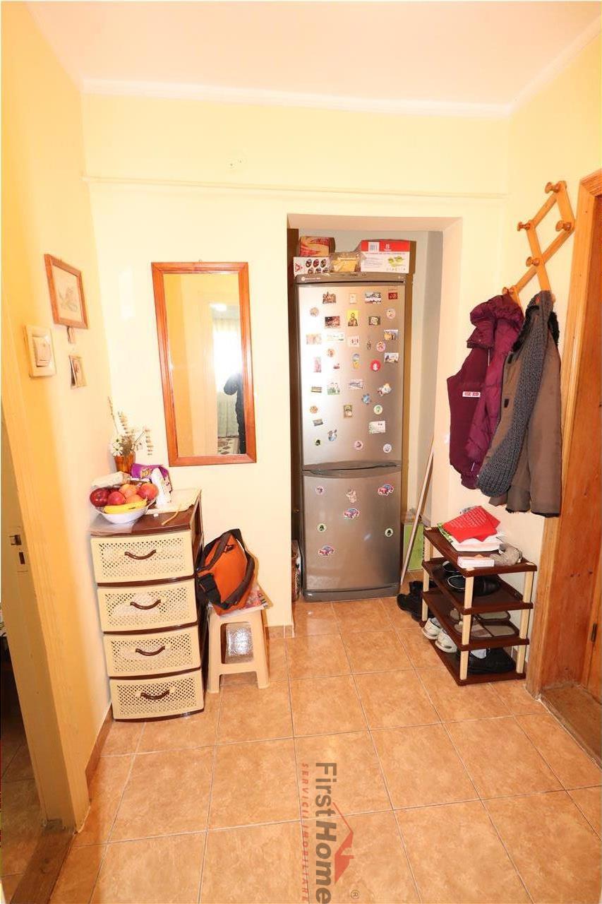 Apartament 2 camere, etaj 3 , zona Paco  sud