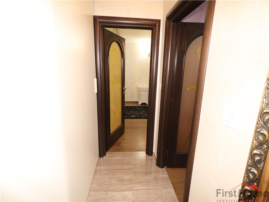 Apartament 3 camere, parter, zona centrala  LUX