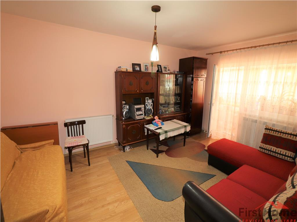 Apartament 2 camere, etaj 3 cu acoperis nou tabla
