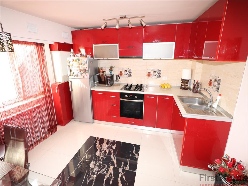 Apartament 2 camere , Bdul Garii, etaj 3, renovat complet