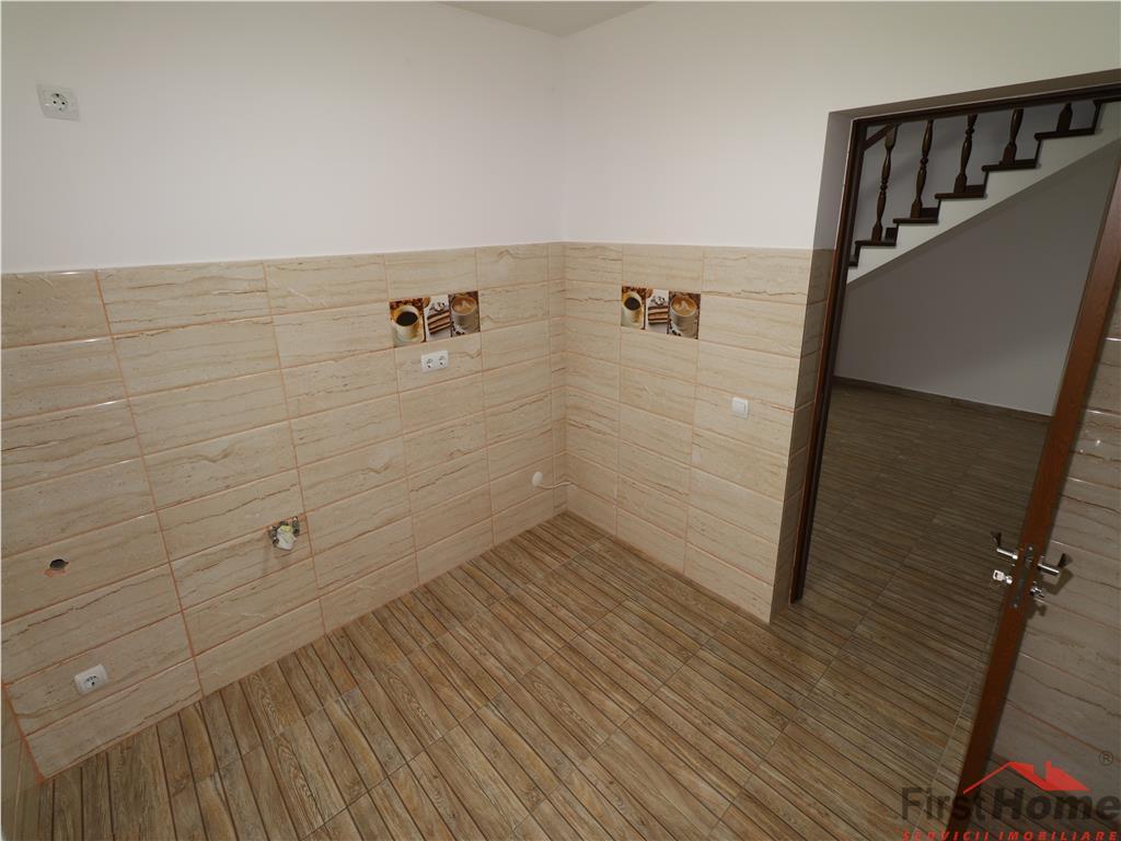 Apartament de vanzare bloc nou etaj 4 + mansarda
