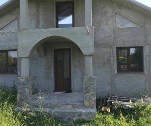 Casa in Unirea Odobesti - strada principala