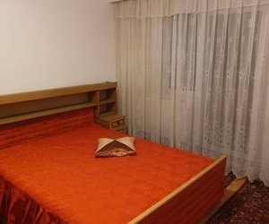Apartament 3 camere , zona Longinescu, etaj 2