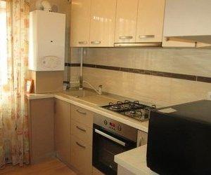 Apartament 3 camere, bloc nou,semi mobilat , zona Politie !