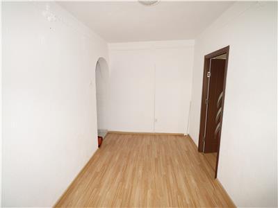 Apartament 2 camere, zona Bahne, etaj 4 , liber !