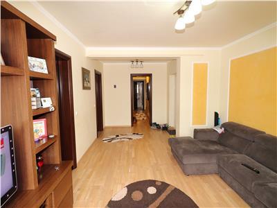 Apartament 3 camere, etaj 1 bloc nou, mobilat si utilat, 2 locuri de parcare