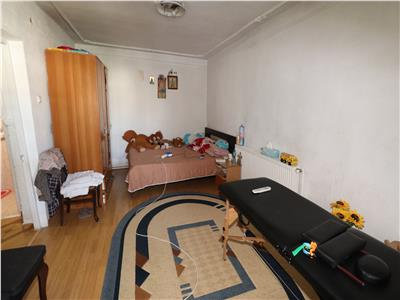 Garsoniera de vanzare , etaj 4 cu acoperis , 34mp str Panduri