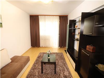 Apartament 3 camere, etaj 2, zona 2 Stejari, renovat - liber