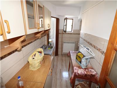 Apartament 2 camere, zona centrala, magazin Milcov