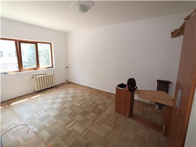 Apartament 2 camere, zona Sud, de vanzare