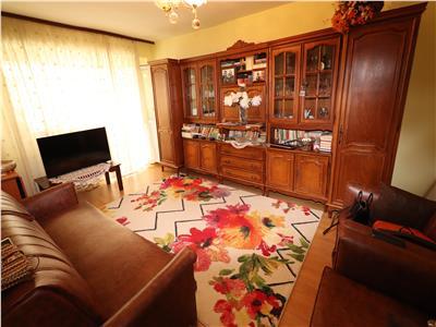 Apartament 3 camere, Zona Big, de vanzare, mobilat si utilat