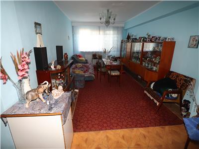 Apartament 3 camere, etaj 3, zona Lidl-Gara, de vanzare