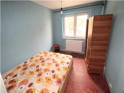 Apartament 3 camere, zona Mega Image-Sud, etaj 1, de inchiriat