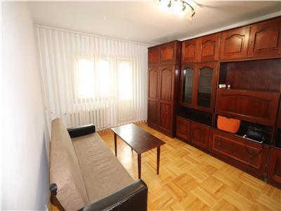 Apartament 3 camere,etaj 1, zona Gradinita 18, de inchiriat