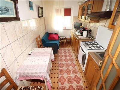 Apartament 3 camere, etaj 2, B-dul Independentei 67.000 Euro