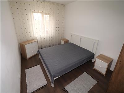 Apartament 4 camere, zona Scoala 2, mobilat si utilat,  de inchiriat