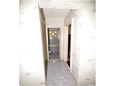 Apartament 2 camere, etaj 2, zona Sud, de vanzare