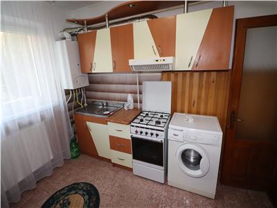 Apartament 3 camere, etaj 2, CT+AC, zona Scoala 8, de inchiriat