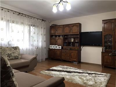 Apartament 3 camere, zona Brailei, parter, de vanzare