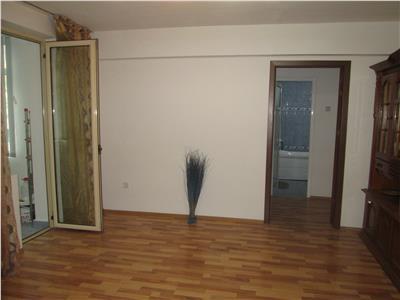 Apartament 2 camare , etaj 1, zona Gara