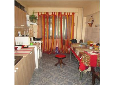 Apartament 3 camere, etaj 1, zona Parcul Shuman