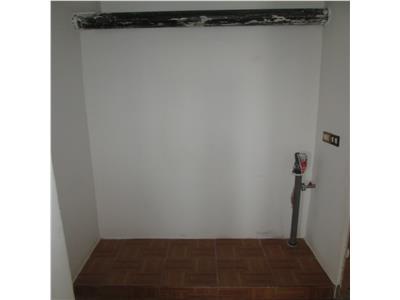 Apartament 3 camere sud, etaj 3/4, liber 70mp