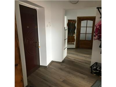 Apartamente 3 camere, central, etaj 7, renovat