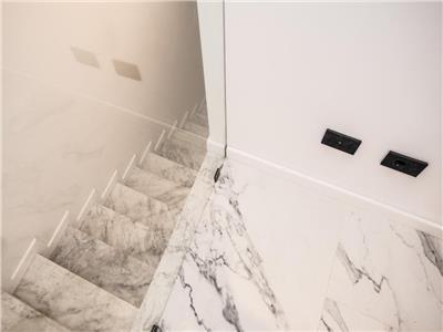 Apartament unicat cu 3 camere, 2 terase, 2 bai zona Aqua Land