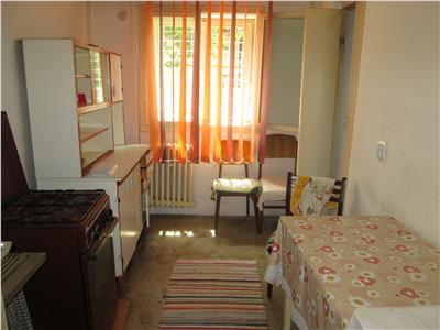 Apartament 2 camere, parter, central, zona linistita !