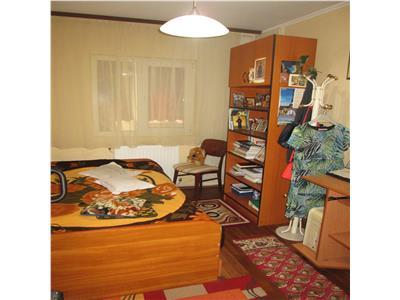 Apartament 3 camere, etaj 2/3 zona 2 Stejari