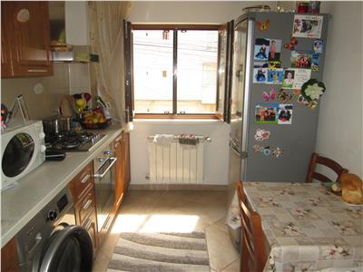Apartament 2 camere , renovat, etaj 1 Gara - Longinescu