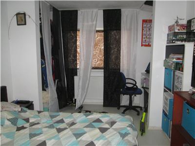 Apartament 2 camere , parter , stradal , zona Policlinica 2
